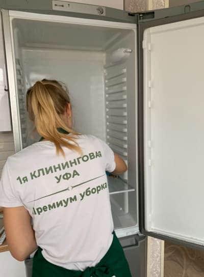 Помыть холодильник внутри